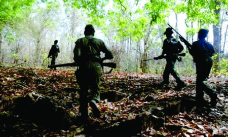 naxlies dead, Police encounter, Maharashtra