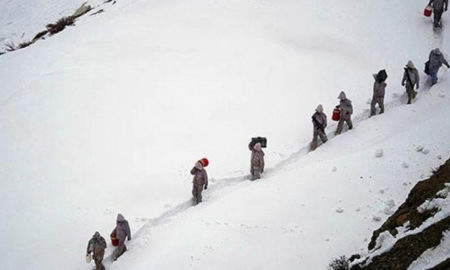 Snow falling, Seach, Missing Soldiers, kashmir