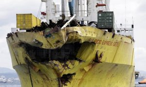 Ship, Crash, Philippines, 7Dead