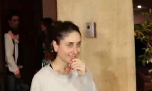 Kareena, Refuses,  Take Photograph