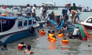Boat, Sinking, Six, People, Died
