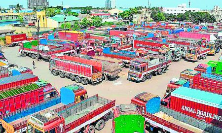 Trucks, Carrying, Breaks, Punjab