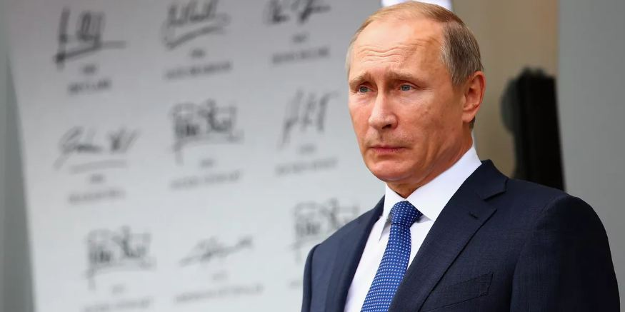 Putin, Popularity, Decreased: Survey