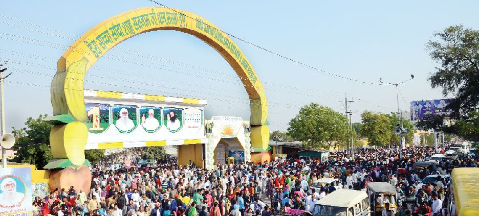 Thousands, Devotees, Worshiped, Sai Ji
