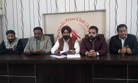 Akali leader Manjit Dhuna has legal notice to Harbans Jalal