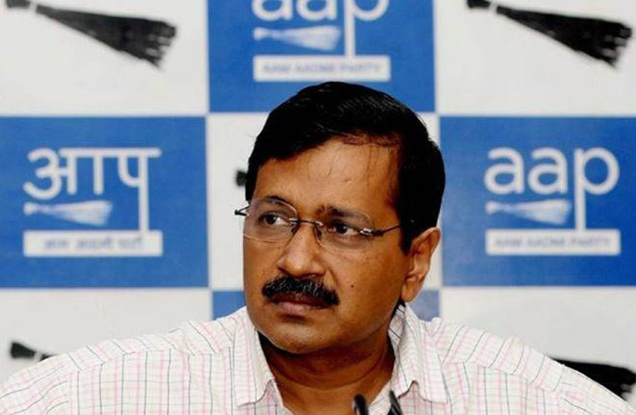Police barricade kill daughter of Kejriwal