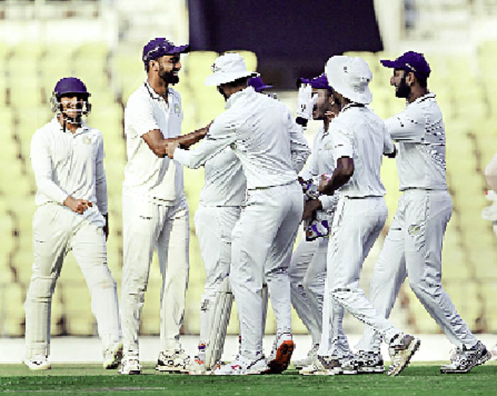 Wickets, Defending, Champion