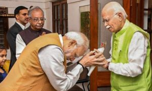 Modi, Meet, Advani, After, Victory