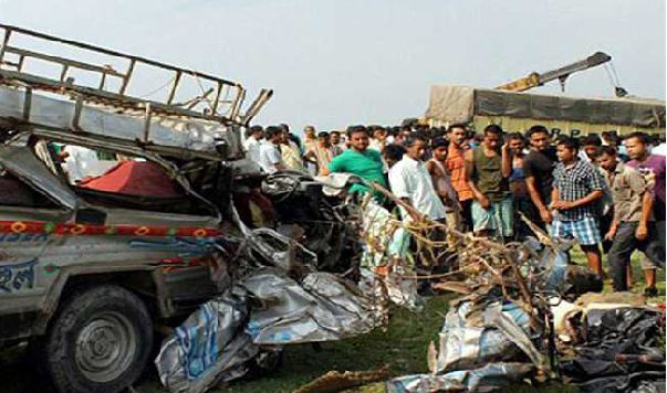 Five Dead, Five Injured, Road Accidents