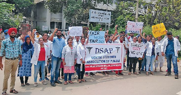 Dental Students, Association Marched, in the City