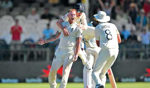 England ,Win, Capetown , Series,  Equals