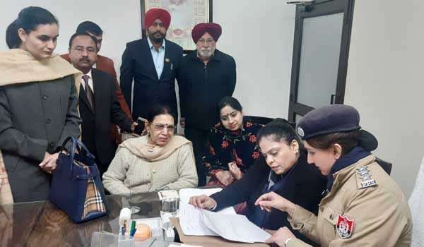 Punjab State Women Commission Chairperson visits Women Counseling Cell in Patiala