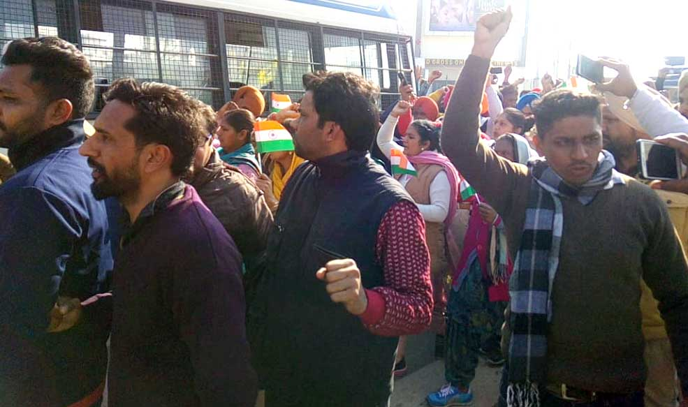 Unemployed teachers arrested for protesting against the Punjab government on Republic Day