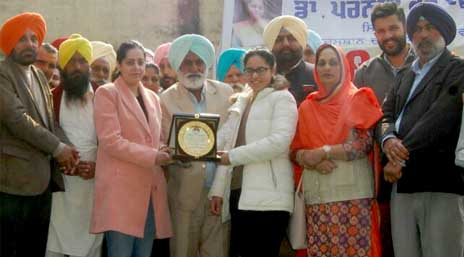 Dr. Praneet Kaur was honored upon reaching the village as a judge of Wache