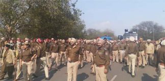 Pensioners march to Chandigarh, police stops at YPS chowk